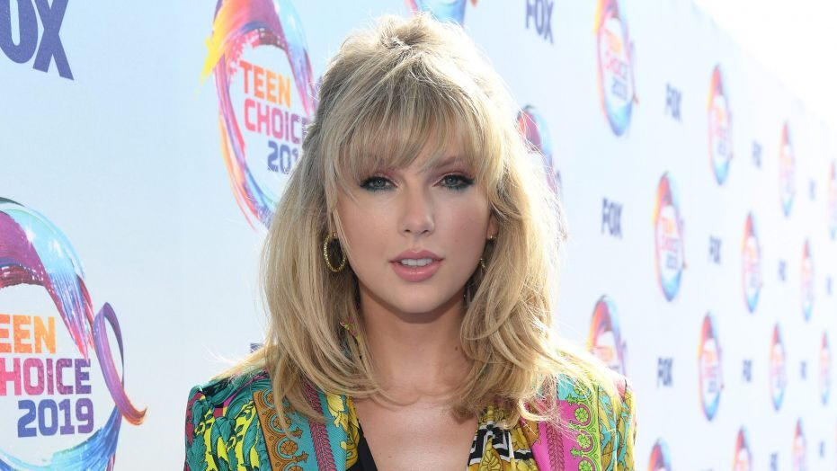 Taylor Swift said that the change should be there for racial injustice and police brutality