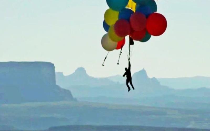 David Blaine Successfully flies over the Arizona Desert