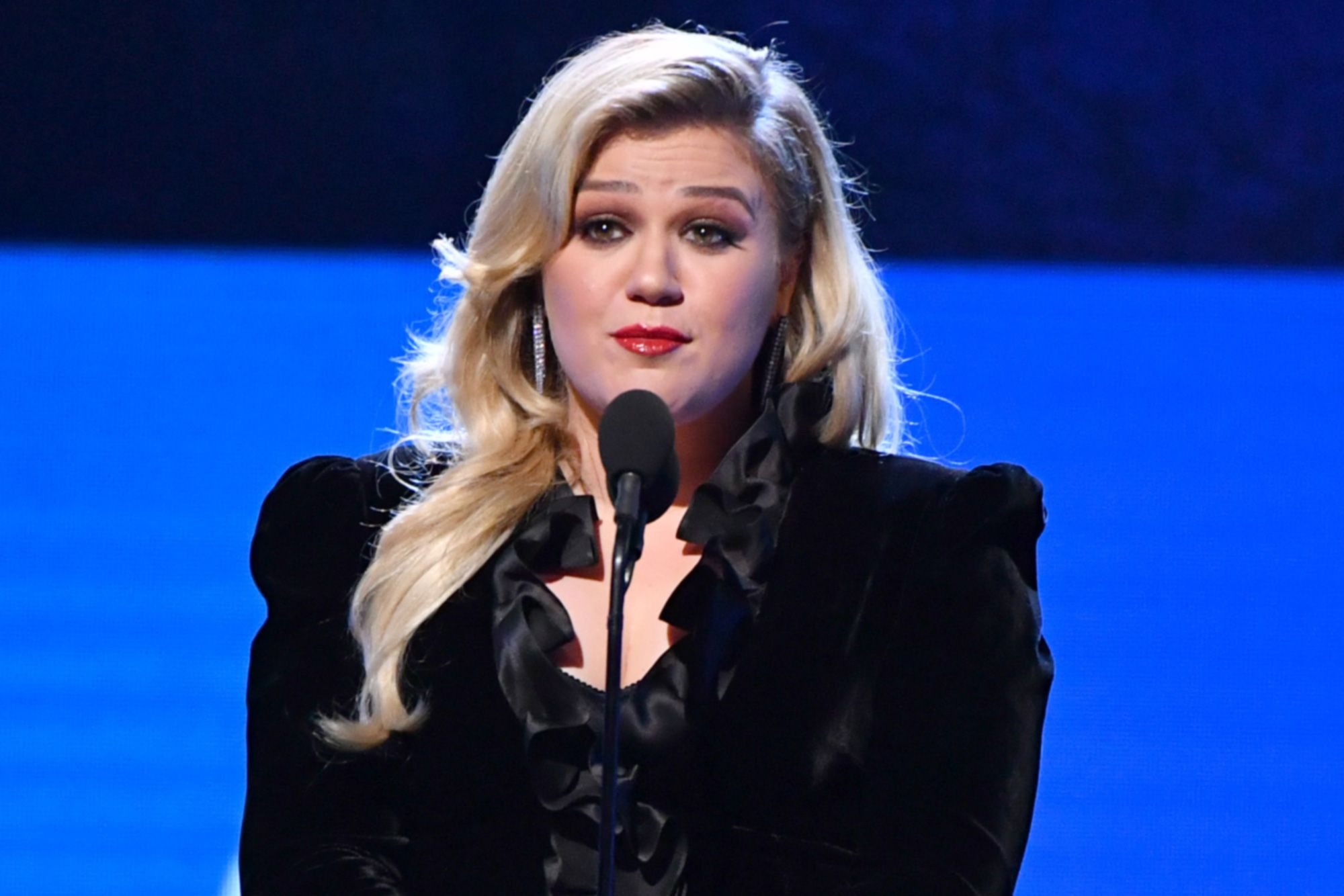 kelly clarkson is not good after Divorce