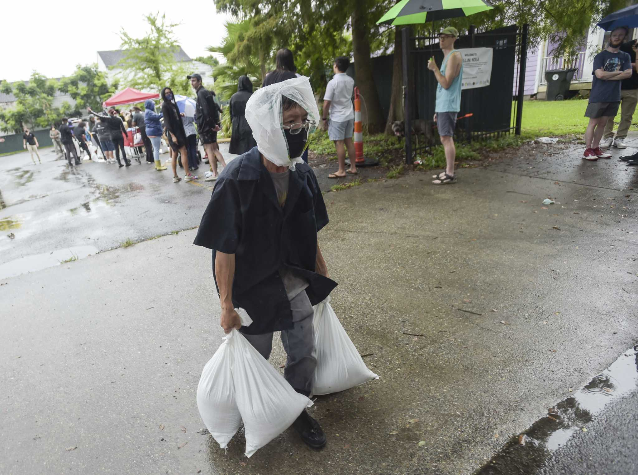 Ida aims to hit Louisiana on Hurricane Katrina anniversary