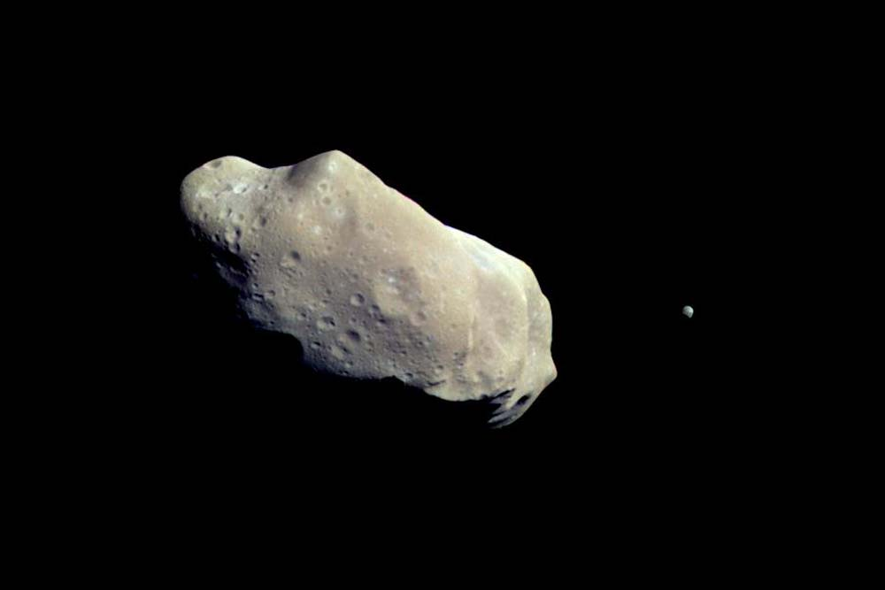 On This Day in Space! Aug. 28, 1993: Galileo Spacecraft Flies by Asteroid Ida