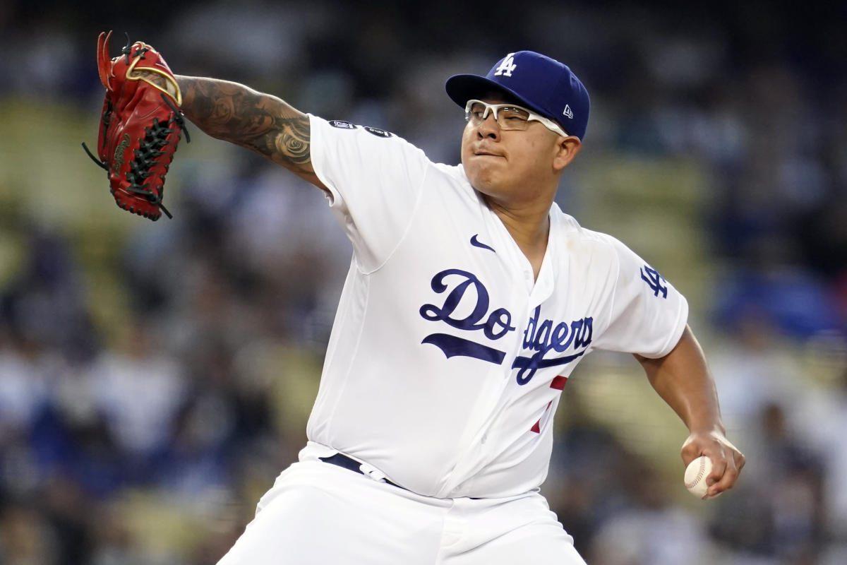 Urías 15th win, Dodgers end Braves' 13-game road win streak