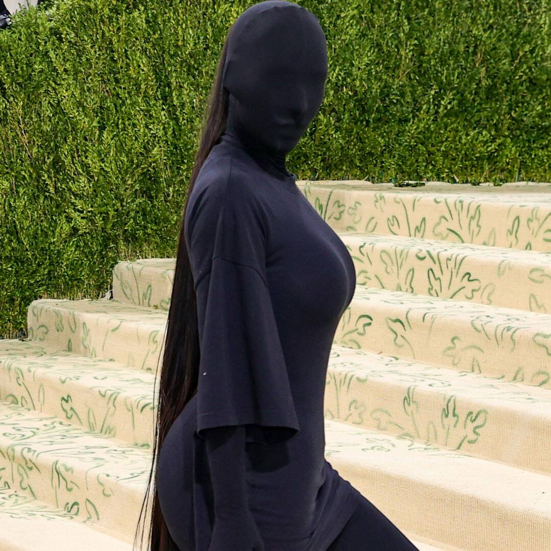 Kim Kardashian Reveals Her Face for Met Gala After-Party in Batman-Inspired Look