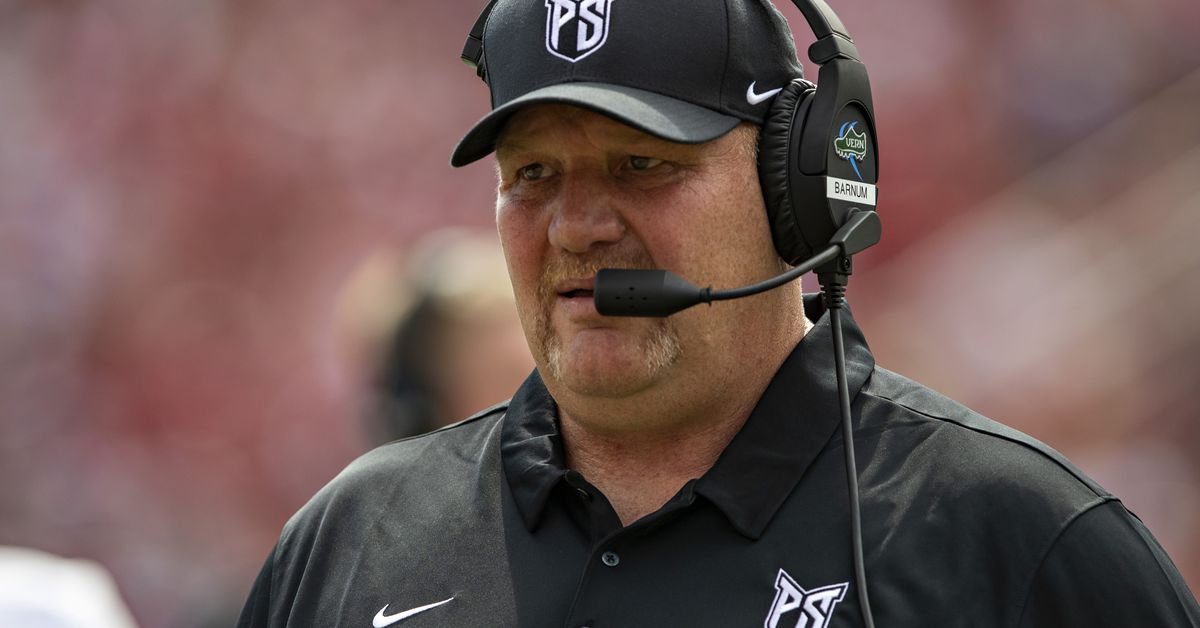 Portland State's coach will buy you all the beer you can drink if you watch his team play
