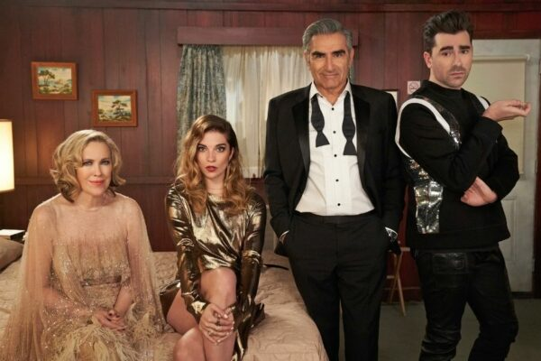 The Roses From Schitt's Creek Are Back Together Again