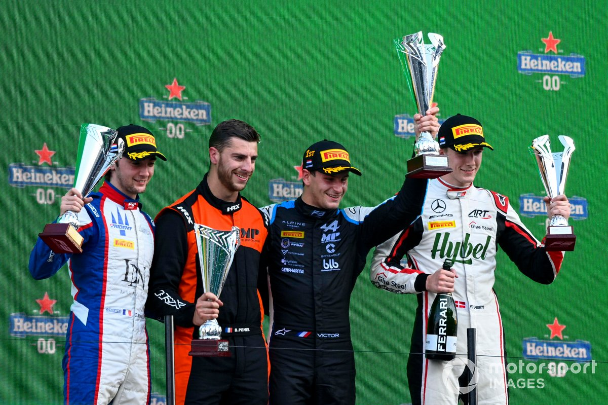 Clement Novalak, Trident, Race winner Victor Martins, MP Motorsport and Frederik Vesti, ART Grand Prix celebrate on the podium
