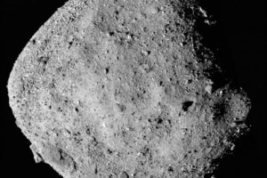 Asteroids with Highly Porous Rocks Lack Fine-Grain Regolith: Study