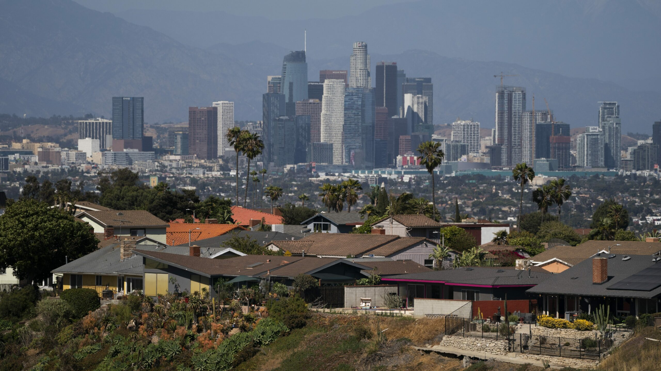 L.A. County Public Health Covid-19 Report: 28 New Deaths, 1,195 New Positive Cases