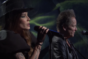 """Watch Halsey and Lindsey Buckingham Perform """"Darling"""" on SNL"""