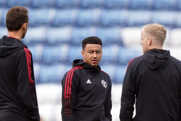 Watch: Lingard responds 'I'm not on the pitch' after getting pelters