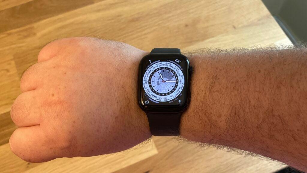 Apple Watch 7 world clock watch face